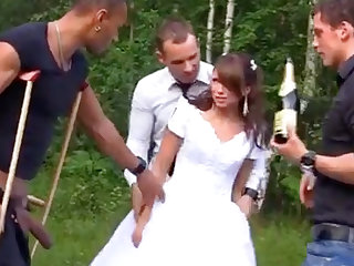 X-rated Bride in Foursome Gangbang